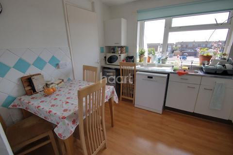 2 bedroom flat for sale - Purbeck Court, Dorset Avenue, Chelmsford