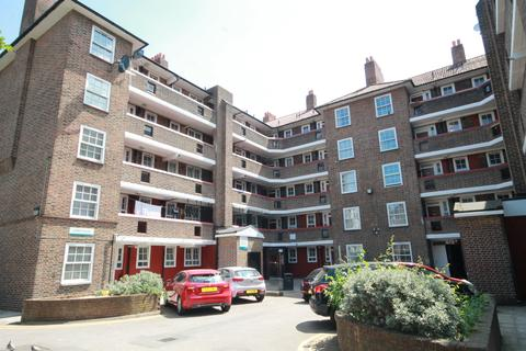 3 bedroom flat for sale - Friary Estate, London, SE15 1RP