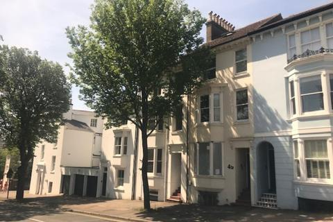 8 bedroom property to rent - Dyke Road, Brighton