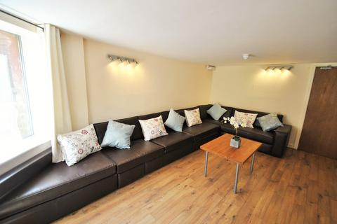 10 bedroom detached house to rent - Amherst Road, Fallowfield, Manchester