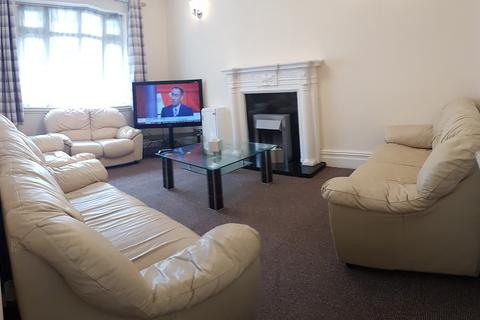 7 bedroom semi-detached house to rent - Kingswood Road, 7 bed, 92452, Fallowfield, Manchester
