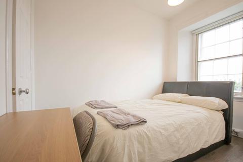 1 bedroom flat share to rent - Nicolson Street, Edinburgh EH8
