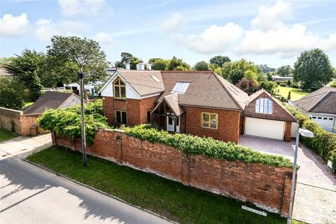 4 bedroom detached house to rent - North Street, Winkfield, Windsor, Berkshire, SL4