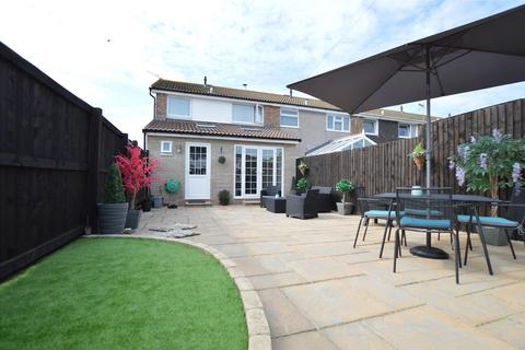 3 bedroom end of terrace house for sale - Prestbury, BS37 4LD