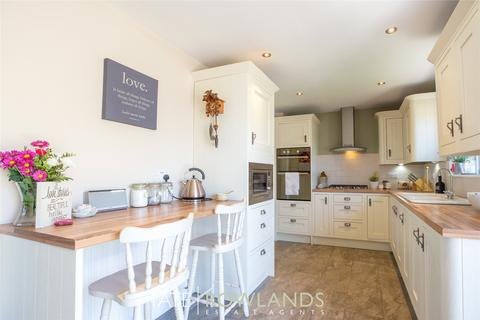 5 bedroom detached house for sale - Greenfield Road, Greenfield, Flintshire, CH8