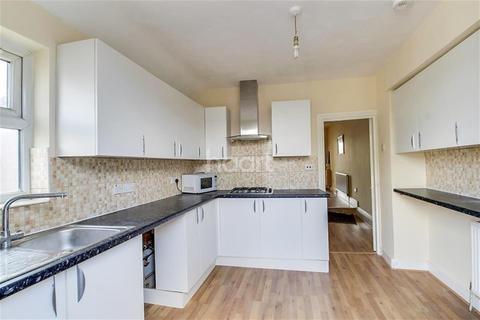 4 bedroom maisonette to rent - Wokingham Road, Reading RG6 1LH