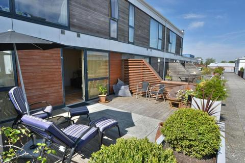 3 bedroom apartment for sale - Garden Quays Pitwines Close, Poole, BH15 1ES