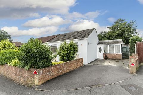 2 bedroom semi-detached bungalow for sale - Kenson Gardens, Sholing, Southampton, Hampshire
