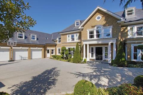 6 bedroom detached house to rent - Priory Road, Sunningdale, Ascot, Berkshire, SL5 9RG