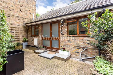2 bedroom detached bungalow for sale - Green Lanes, London, N13