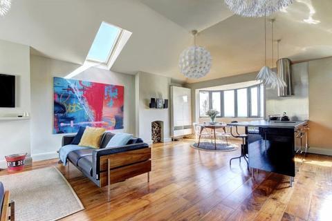 3 bedroom detached house for sale - Kersteman Road, Redland