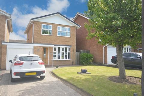 3 bedroom detached house for sale - Dunton Hall Road, Shirley