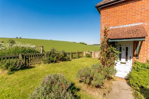 3 bedroom end of terrace house for sale - Rowdown, Upper Lambourn, Hungerford, Berkshire, RG17