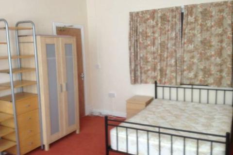 6 bedroom house to rent - King Edward Road, Brynmill, Swansea
