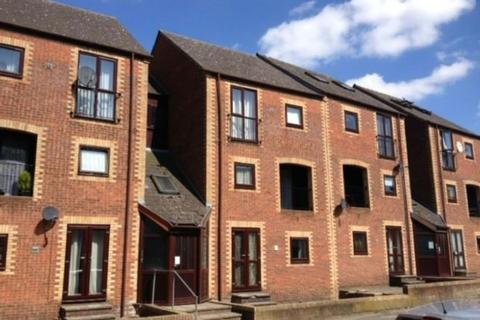 1 bedroom apartment to rent - Howard Crescent