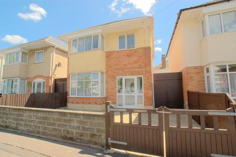 3 bedroom detached house for sale - Castlemain Avenue, Bournemouth