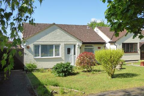 2 bedroom detached bungalow for sale - Trent Crescent, Bicester