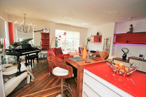 3 bedroom apartment to rent - Cadogan Road