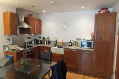 2 bedroom flat to rent - Advent 2, 1 Isaac Way, Manchester