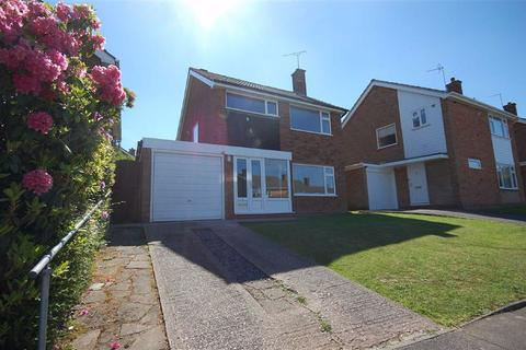 3 bedroom detached house to rent - 1, Camberley Drive, Penn, Wolverhampton, WV4