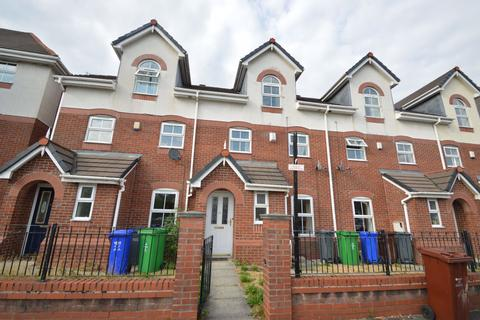 4 bedroom house to rent - Briarfields Road, Manchester