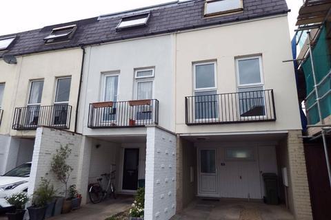 3 bedroom terraced house to rent - Clare Street, Cheltenham