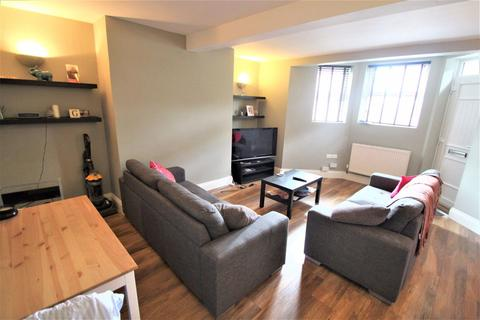 2 bedroom apartment to rent - Cardigan Road, Headingley, Leeds, LS6 3AE