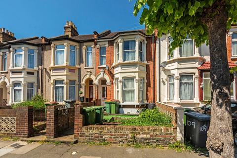 2 bedroom flat for sale - Sheringham Avenue, E12