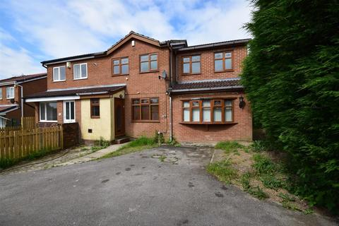 4 bedroom semi-detached house for sale - Torridon Crescent, Bradford