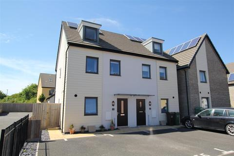 3 bedroom townhouse for sale - Hooe, Plymouth