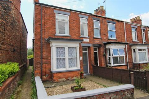 3 bedroom end of terrace house for sale - Grovehill Road, Beverley