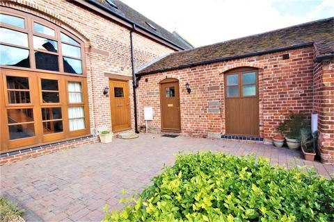 2 bedroom barn conversion to rent - Levedale Road, Dunston Heath, Stafford