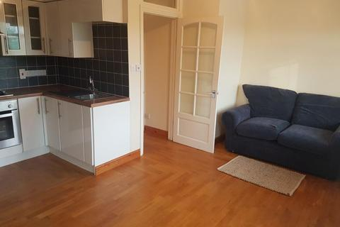 2 bedroom apartment to rent - Oxford Road, Gerrards Cross SL9 7AT