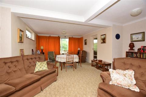 3 bedroom semi-detached house for sale - Wych Elm Road, Hornchurch, Essex