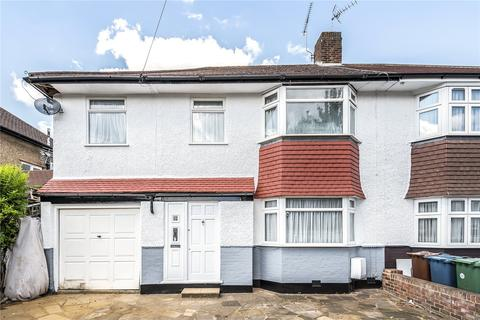 4 bedroom semi-detached house for sale - Eastern Avenue, Pinner, Middlesex, HA5
