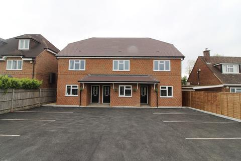 2 bedroom terraced house to rent - The Gables, Bath Road, Padworth, Reading, RG7