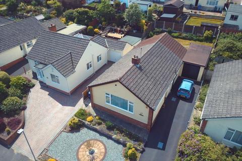 4 bedroom detached bungalow for sale - St Brelades Avenue, Alderney, Poole, BH12 4JR