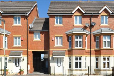 4 bedroom detached house to rent - The Park, Cheltenham, Gloucestershire