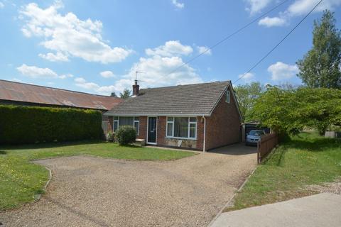 4 bedroom chalet for sale - High Road, Needham