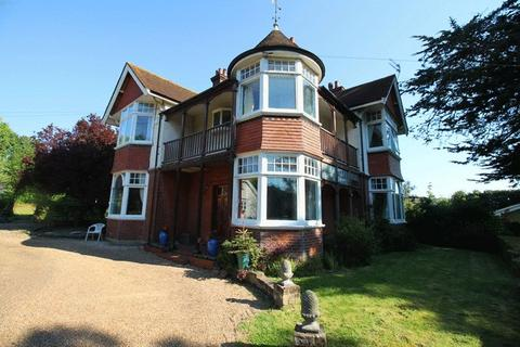 5 bedroom detached villa for sale - Ringwould, Near Deal