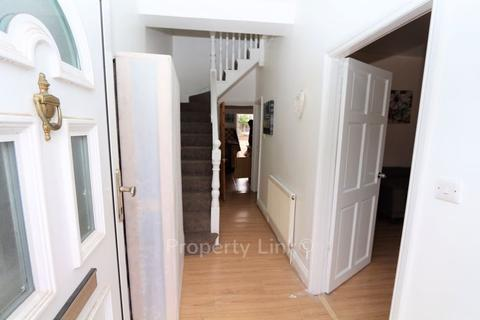 3 bedroom terraced house to rent - Northbrook Road, Ilford