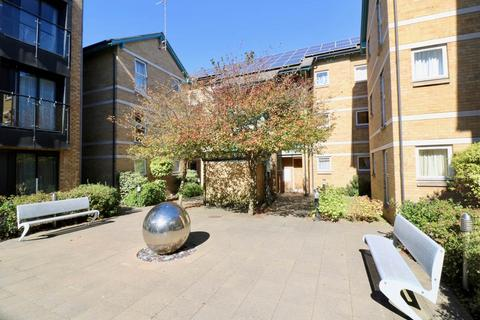 1 bedroom flat to rent - Auckland Court, Cambridge,