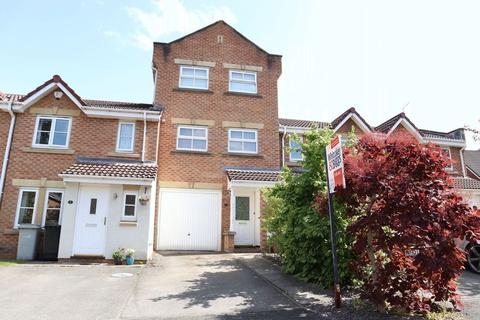 3 bedroom mews for sale - Bramhall Way, Macclesfield