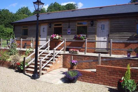 1 bedroom semi-detached bungalow to rent - Billet Hill, Ash