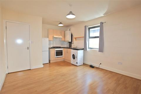 1 bedroom in a house share to rent - High Street, Walthamstow, London, E17