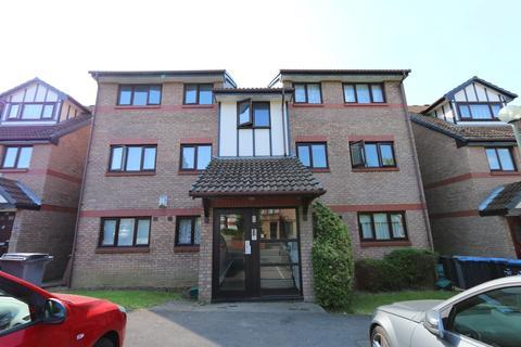 2 bedroom flat to rent - Viewfield Close, Kenton, Harrow, HA3