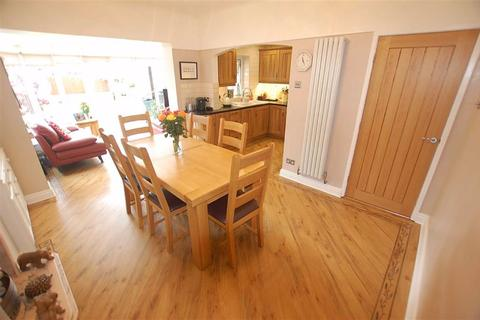 4 bedroom semi-detached house for sale - Ronaldsway, Thornton, Liverpool