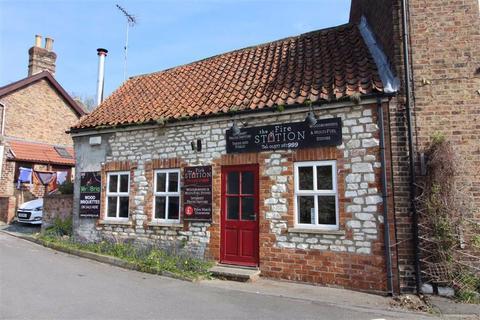Shop to rent - Chalk Barn, Church Lane, Langtoft, East Yorkshire