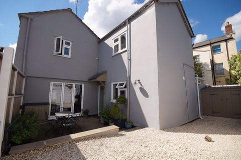3 bedroom house to rent - Montpellier GL50 2XH