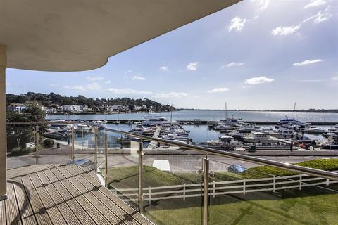3 bedroom apartment for sale - Salterns Point, 36 Salterns Way, Poole